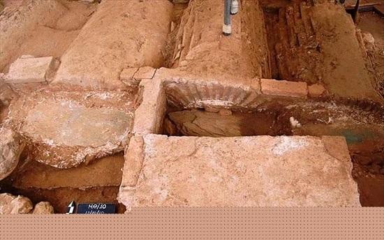 В Греции во время прокладки метро нашли скелет воина