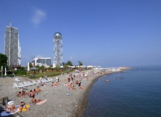 Туристка назвала причины, почему не стоит ехать на популярный черноморский курорт в Грузию