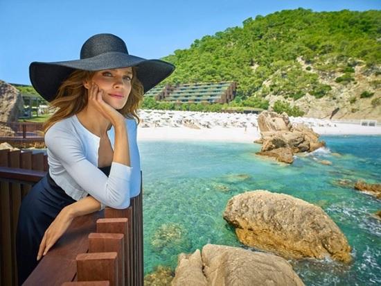 Наталья Водянова решила отправиться отдохнуть на турецком курорте в Кемере
