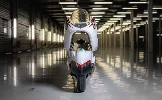 Суперскоростной электробайк WMC250EV создали по принципу «аэротрубы»