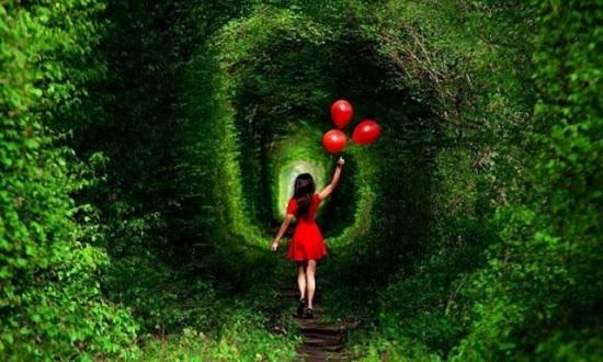 Тоннель любви в Украине — лучший способ сказать: «Я люблю тебя»