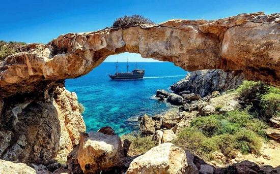 Туры на Кипр поражают своими выгодными ценами: российские туристы начинают активно бронировать путевки и собирать чемоданы