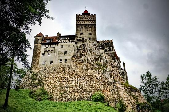 Замок Дракулы в Румынии —прикоснитесь к таинственным легендам Трансильвании