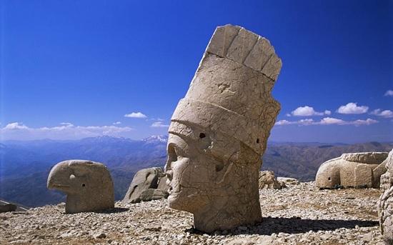 Немрут-Даг - необыкновенная гробница в Турции
