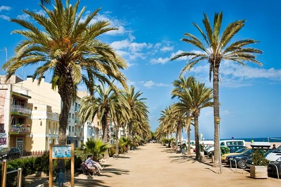 Курортный город в Испании Калелья. Экскурсии, шопинг и достопримечательности