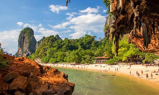 Таиланд снимает карантинные ограничения