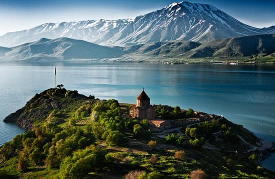Озеро Ван – ещё одно загадочное место в Турции