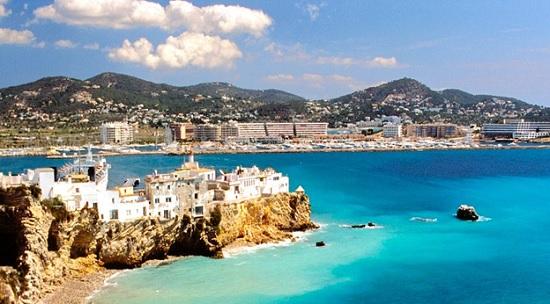 В Испании будут выдавать бесплатные купоны для привлечения туристов на курорты