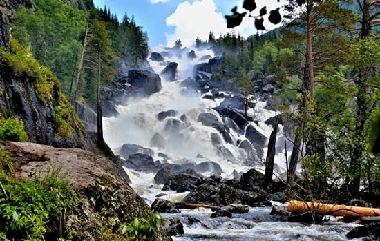 В Турции пересох излюбленный у туристов водопад Учарсу