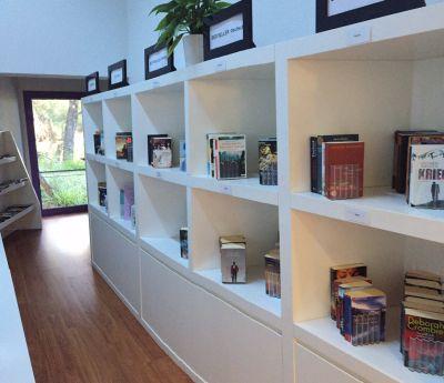 библиотека в отеле Bodrum Sea Garden