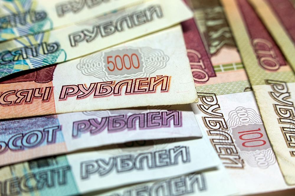 После возобновления торгов на Московской бирже рубль продолжит рост по отношению к доллару и евро