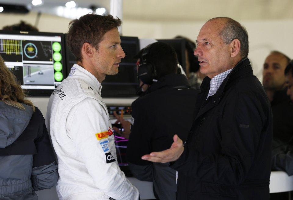 Команда «Формулы-1» «Макларен» сохранила гонщика Дженсона Баттона на сезон-2016