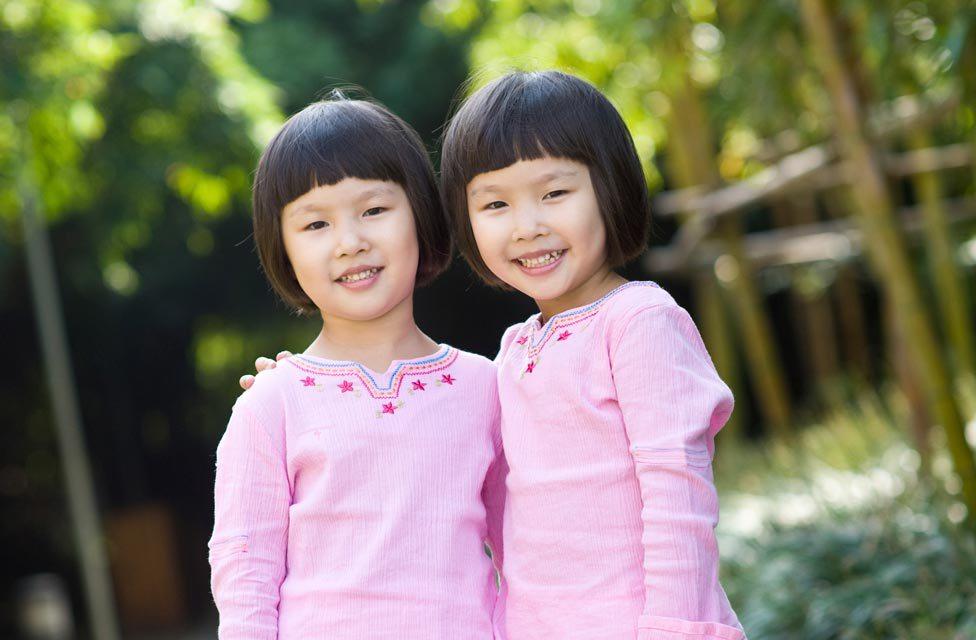 Китайские ученые планировали приступить к клонированию людей уже в 2016 году. Группа ученых из Китая заявила о полной готовности к клонированию человека. Сообщается, что азиатские генетики смогут начать «серийное производство» людей уже к концу 2016 года, однако в настоящее время они не могут начать эксперименты в связи с негативным отношением к данному вопросу в обществе.