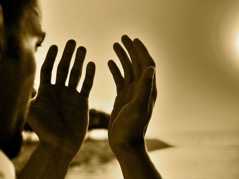 В метро задержан молившийся мужчина со следами взрывчатки на руках