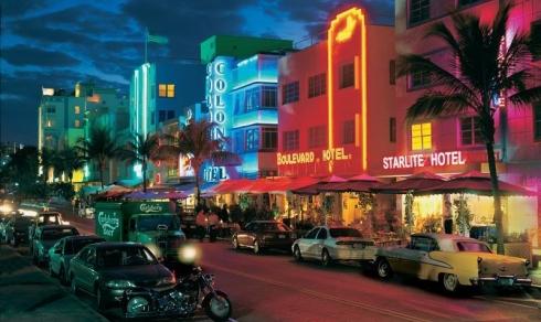 легендарная улица Оушен Драйв в Майами