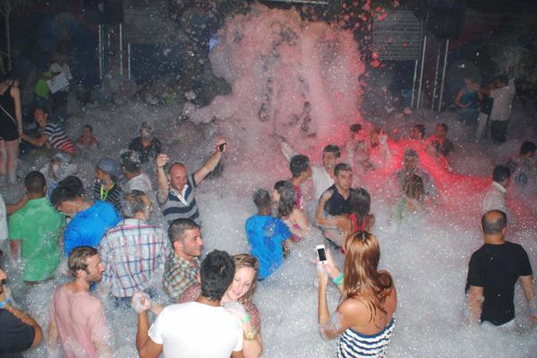 пенная вечеринка в клубе Aura