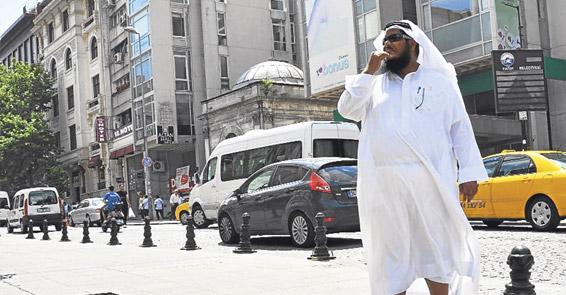арабские туристы заполонили стамбул
