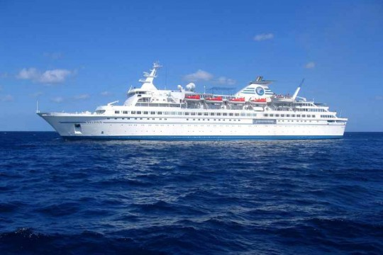круизный лайнер Delphin