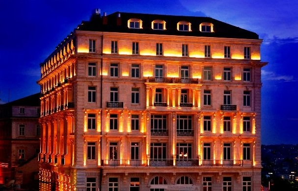 pera_palace_hotel_jumeirah_fasad