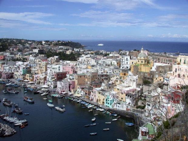 Сегодня туристов встречают на острове уютные и комфортабельные гостиницы