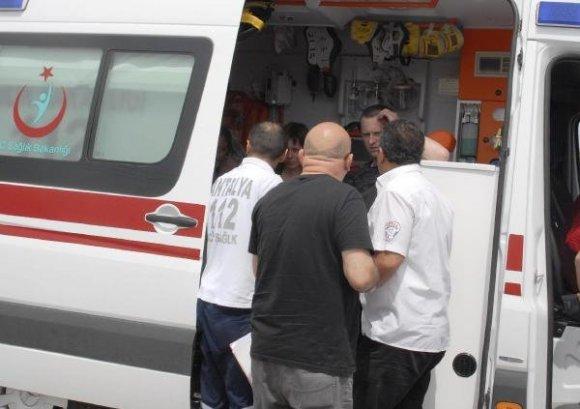 турецкие медики оказывают помощь россиянам