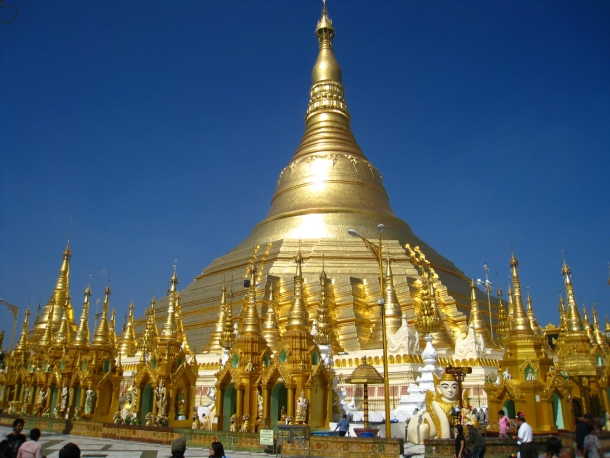 пагода Шведагон в Рангуне